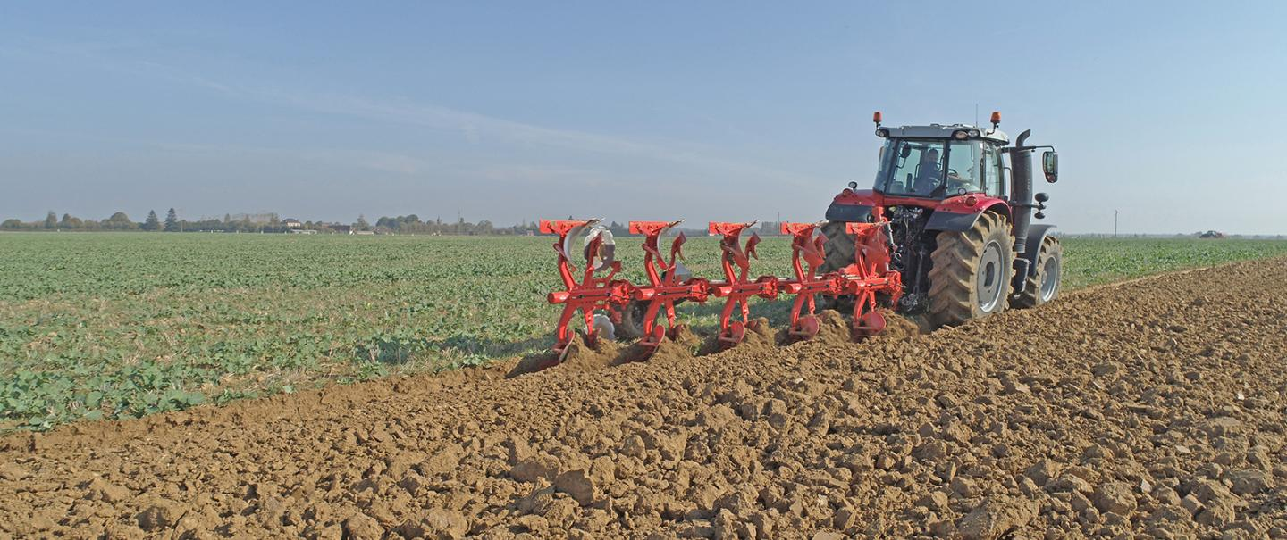 MASTER 123 plough at work